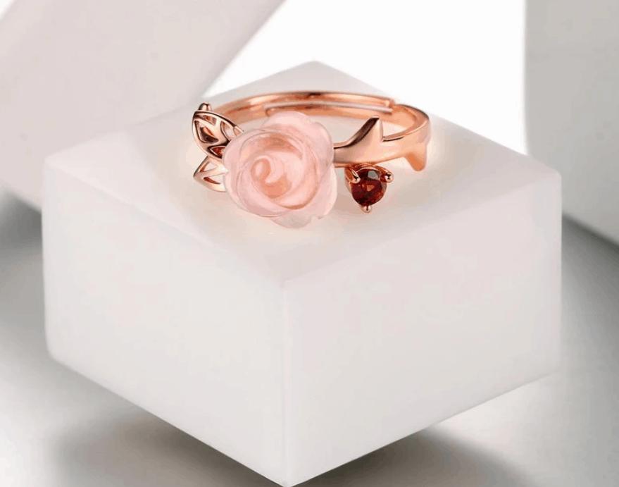 Beautiful Rose Quartz Rose Ring